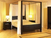 spade_canopy_bed_01_small